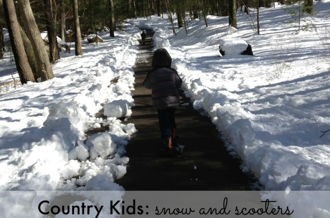 Country Kids: snow and scooters