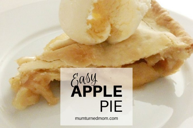 Bake: easy apple pie