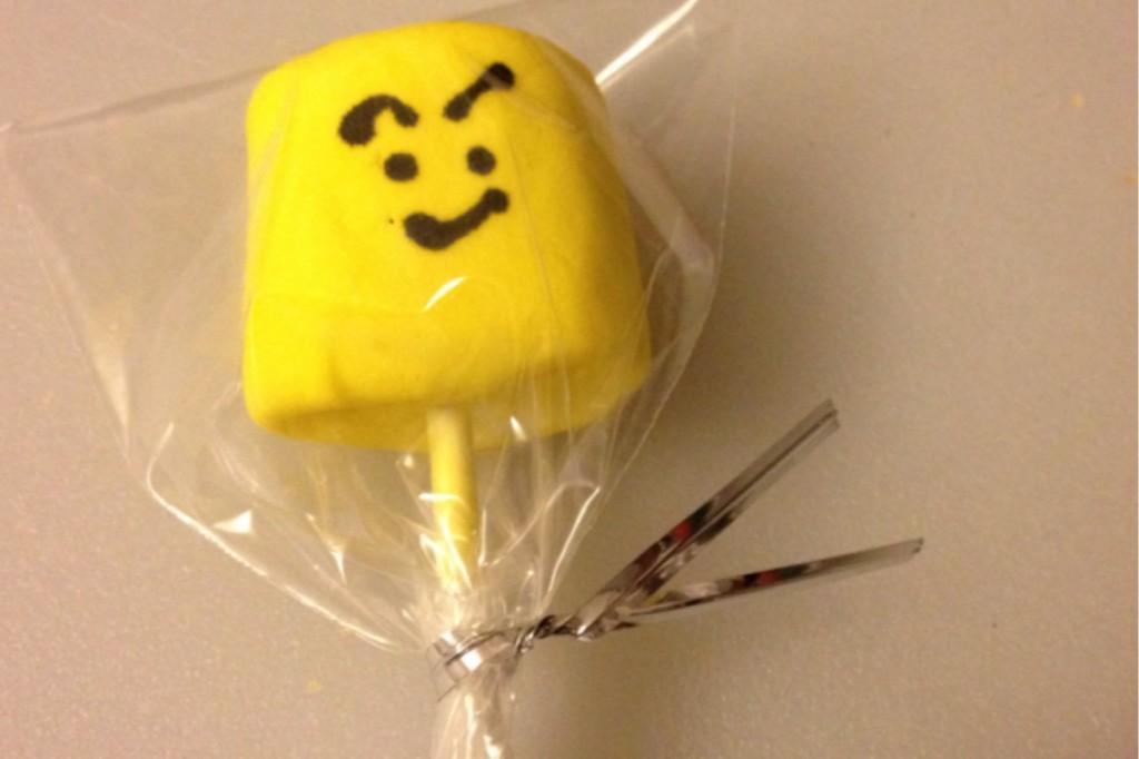 lego-head-pops-11