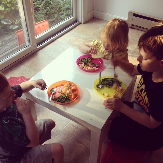 Thanks for the #widn tags @youbabymemummy @honeypiemercer Just made dinner for the kids, and they are all actually eating it :) I tag @3princesses1dude @nikoteen87