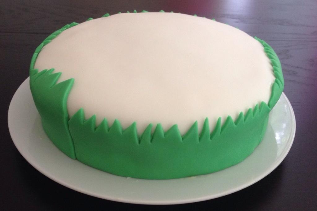 Cake Decorating Fondant Grass : Bake: flower garden cake