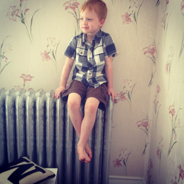 Thanks for the #widn tags @over40andamumtoone and @rebeccabeesley sorry for being so slow in responding! I've just walked into the living room to find the 5yo perched on a radiator... Really must do something about the wallpaper :) I tag @podcastdove @hodgepodgecraft if they fancy joining in x