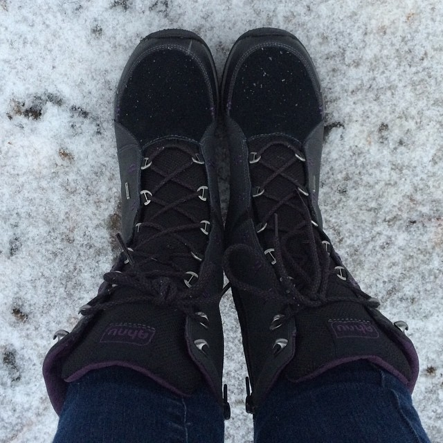 Yup, it's snowing! First outing for my new boots :)