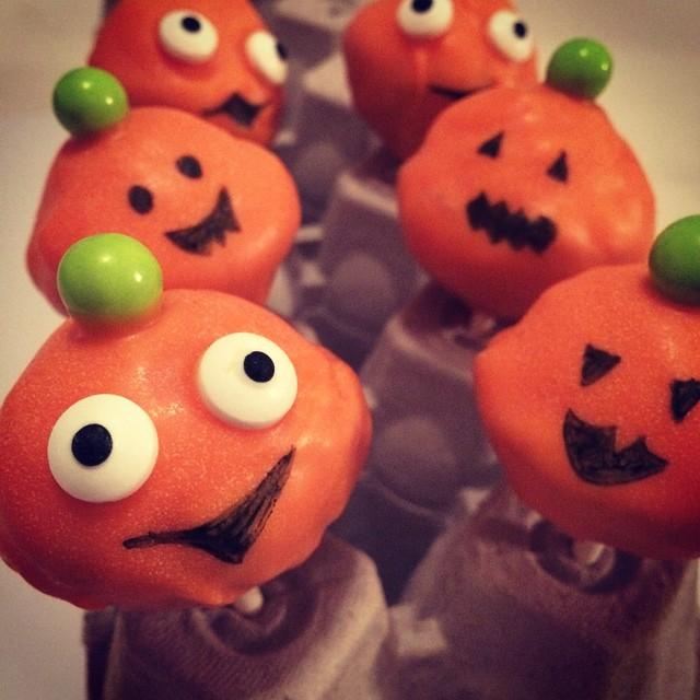 Pumpkin doughnut pops :)