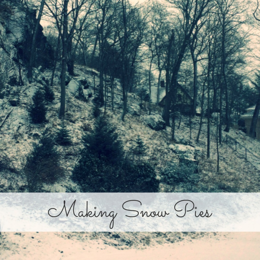 Country Kids: making snow pies