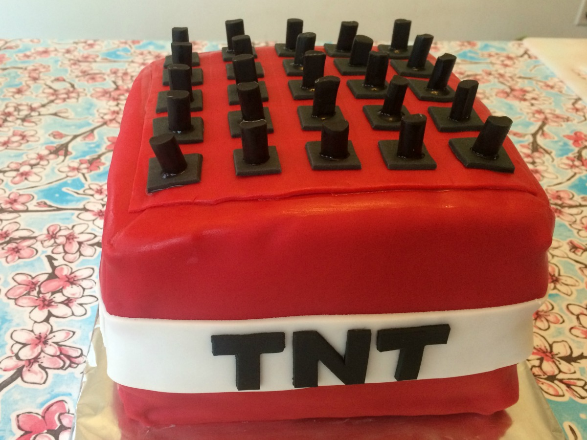 Minecraft TNT Cake Tutorial 6