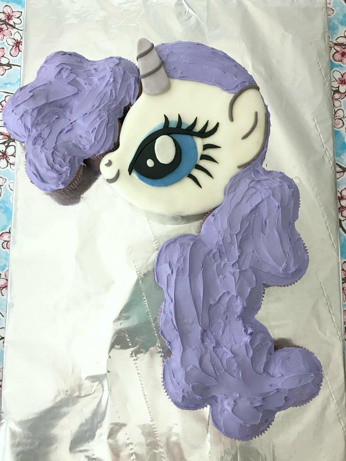 My Little Pony Cake Tutorial 10